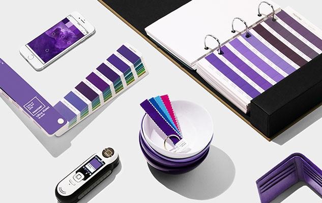 Ppantone ultra violet 13 3838 tcx dans la d coration d for La decoration d interieur
