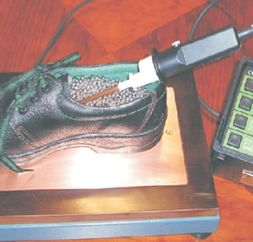 Testeur d'isolement électrique selon ISO 20344:5.10