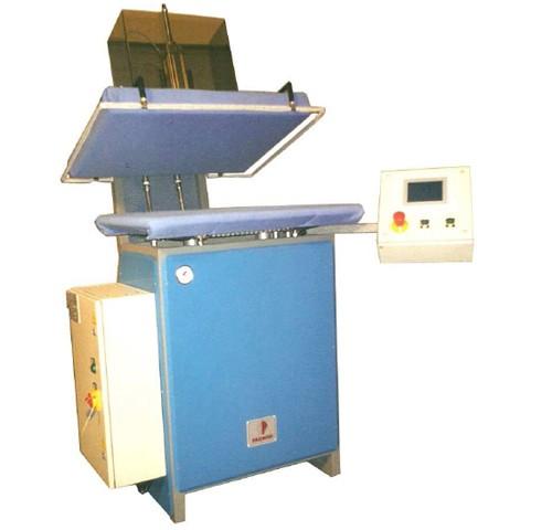 VVC Presse à repasser pour détermoiner la variation textiles à la presse vapeur NF G 07-212
